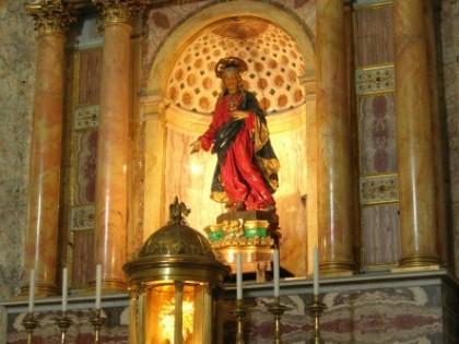 Altare Maggiore: statua del Sacro Cuore